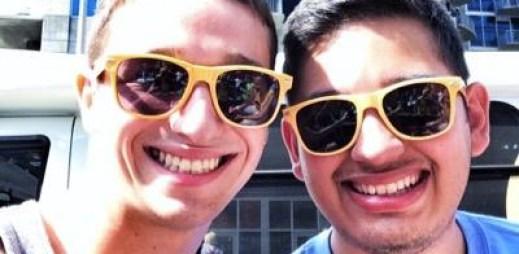 Gay mladík, kterého vyhodili rodiče z domu, začal pomáhat ostatním v nouzi