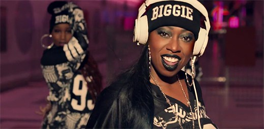 Missy Elliott se vrací v premiéře s úderným videoklipem WTF (Where They From)