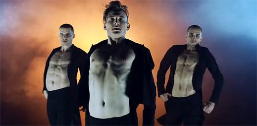 Sexy kluci z Kazaky tančí v rytmu disca v klipu Your Style