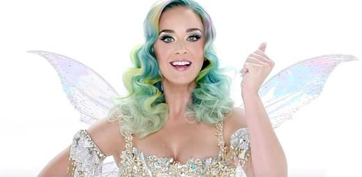 Katy Perry září jako víla s novou písní Every Day Is A Holiday ve vánoční reklamě H&M