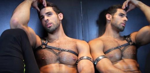 Gay zpěvák Pablo Hernandez natočil klip Bitch I'm A Bottom, kterým paroduje Madonnu
