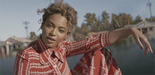 """""""B*tch, I'm back!"""" Vzkazuje Beyoncé v novém klipu Formation"""