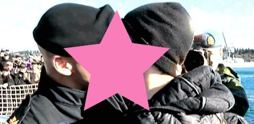 To je romantické! Gayové v kanadském námořnictvu: Vystoupili a políbili se