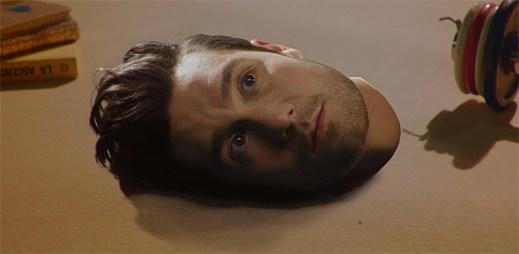 Klukům z kapely Bastille prchá životní euforie v klipu Good Grief