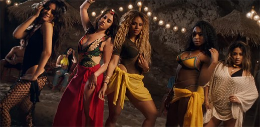 Holky z Fifth Harmony berou léto útokem v klipu All In My Head (Flex)