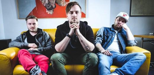 """Láska k hudbě svedla dohromady tři kluky, kteří založili kapelu Poetika a natočili klip """"Zkouším žít"""""""