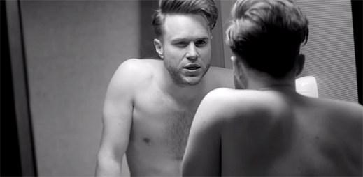 Olly Murs v Las Vegas zapomíná na svou lásku v klipu You Don't Know Love