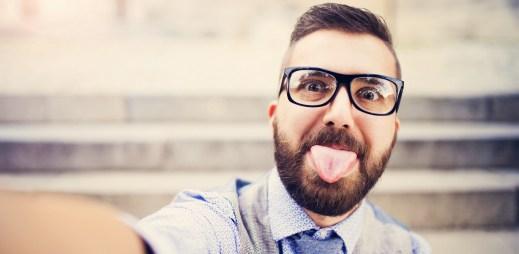 Průzkum: Komu gayové vadí nejvíce? Méně vzdělaným lidem, kteří mají špatnou životní situaci a důchodcům