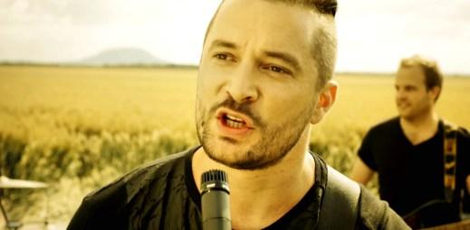 Kapela Hodiny natočila druhý videoklip Jízdní řád. Bude to další hit?