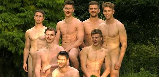 Warwickští veslaři bojují proti homofobii nahým sexy kalendářem