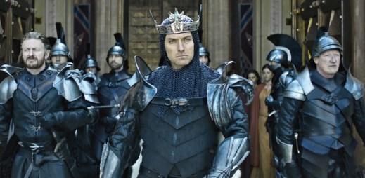 První trailer k velkofilmu Král Artuš: Legenda o meči