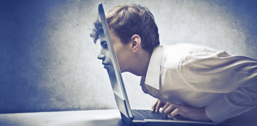 5 tipů, jak odolat nutkání zkontrolovat partnerův počítač nebo mobil