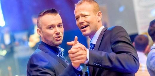 Jubilejní pátý Queer Ball s moderátory Cinou a Vančurou bude bavit Brno