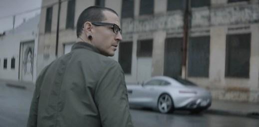 """Linkin Park zariskovali a změnili svůj styl: Nový klip """"Heavy"""" je místo rocku v popu"""