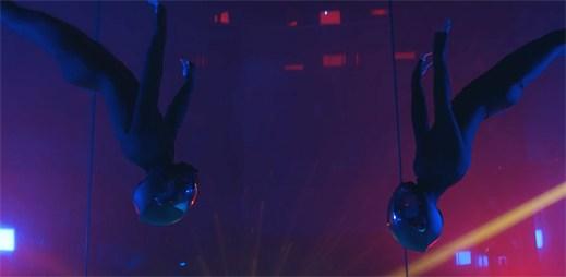 """Zpěvačky Pink a Sia nazpívaly nový singl """"Waterfall"""""""