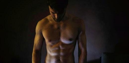 Kluk z Instagramu: 21 sexy fotek mladého gay fotografa Honzy, který se vybíjí ve fitness