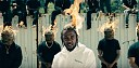 "Kendrick Lamar se chlubí penězi v ironickém klipu ""Humble"""