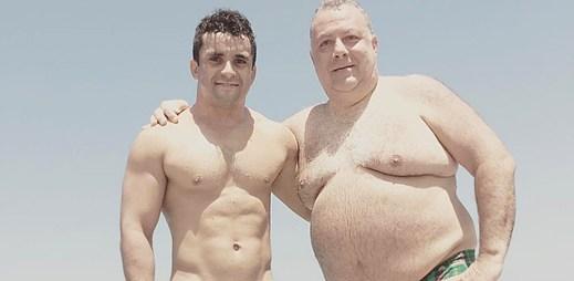 Profesionální hráč rugby Sam Stanley se po sedmi letech vztahu zasnoubil se svým přítelem
