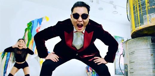 """PSY je zpět se svými šílenými tanečky, které uvidíte hned ve dvou klipech """"I Luv It"""" a """"New Face"""""""