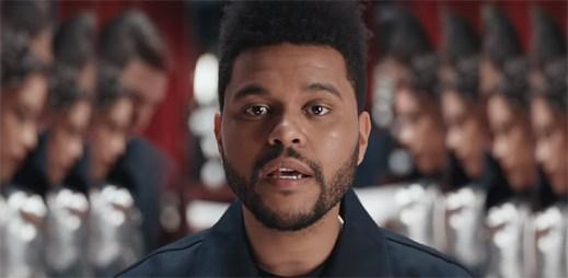 """The Weeknd je svědkem intimní sebelásky v klipu """"Secrets"""""""