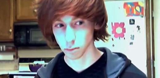 """Natočil video, jak říká svojí mámě """"jsem gay"""". Podívejte se, jak zareagovala!"""