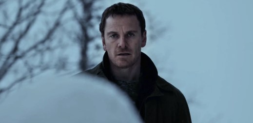 """První trailer k filmu """"Sněhulák"""" podle děsivé detektivní série"""