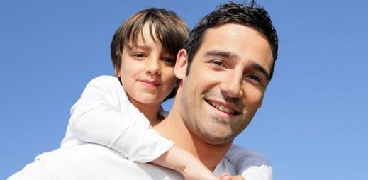 Přelomový krok: Český Ústavní soud uznal rodičovství dvou gayů