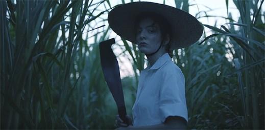 """Osamělá Lorde si užívá ostrovní ráj v klipu """"Perfect Places"""""""