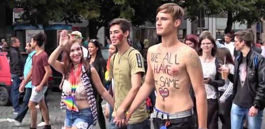Prague Pride 2017 zaznamenal velký zájem! Prahou prošlo 35 tisíc gayů a leseb