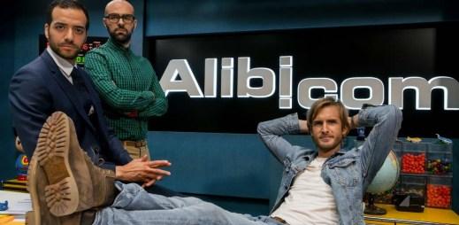 """Trailer k filmu """"Alibi na klíč"""": Francouzská divoká komedie, kde lži, podvůdky a nevěry nejsou problém"""