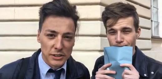 Matěj Stropnický natočil video, ve kterém se úplně poprvé ukázal s Danielem Krejčíkem