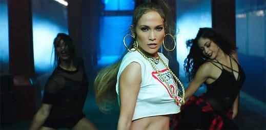 """Jennifer Lopez ovládla stanici metra se svým tanečním gangem v klipu """"Amor Amor Amor"""""""