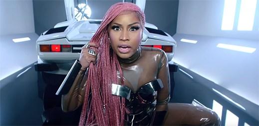 """Cardi B a Nicki Minaj se chlubí, jak by mohly prodávat porno v Migosově klipu """"MotorSport"""""""