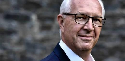 """Koho volit? Jiří Drahoš: """"Pro děti je adopce homosexuálními páry lepší, než aby zůstaly v dětských domovech"""""""