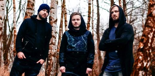 """Vychutnejte si nový klip """"Za oponou"""" od kapely Poetika, která je prý pro mladou generaci"""