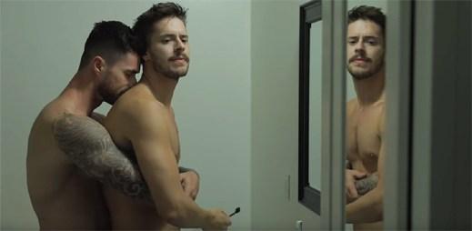 """Krátký gay film """"Boyfriend"""" zachycuje seznámení se s novými lidmi, kteří vás nakonec zklamou"""