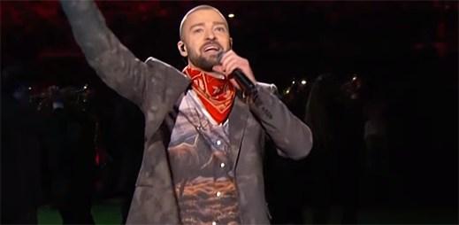 Justin Timberlake svojí show na Super Bowl 2018 příliš neoslnil