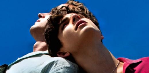 """Trailer ke gay filmu """"Dej mi své jméno"""": Mezi dvěma mladíky začne vznikat něco víc, než jen přátelství"""