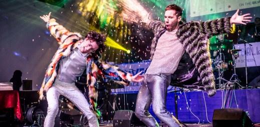 Druhý Queer Ball s moderátory Cinou a Vančurou bude bavit Prahu