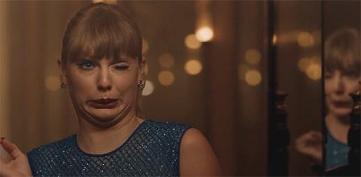 """Taylor Swift za své grimasy maskuje nový vztah v klipu """"Delicate"""", ve kterém si zahrál i gay pornoherec Kevin Falk"""