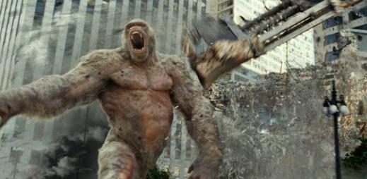 """Trailer k filmu """"Rampage: Ničitelé"""": Zapomeňte na Transformers. Teď USA ničí zmutovaní predátoři"""
