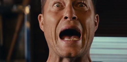 """Nový trailer k filmu """"Jak napálit banku"""": Přišli o všechny peníze, vymysleli proto šílený plán!"""