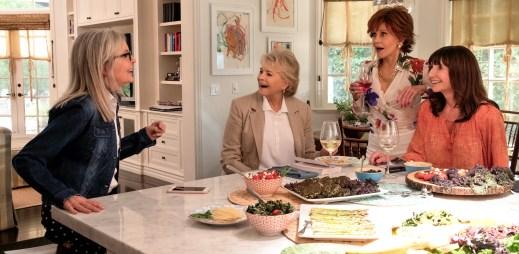 """Nový trailer k filmu """"Dámský klub"""": Divoká komedie čtyř kamarádek, které se rozhodly prožít Padesát odstínů šedi"""