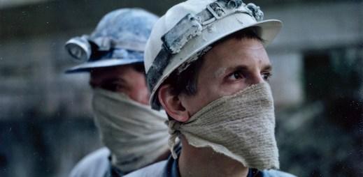 """Nový trailer k filmu """"Zimní bratři"""": Příběh prostoupený odplatou a osaměním"""