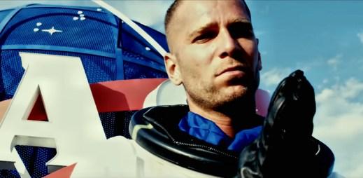 "Majk Spirit v novém klipu ""Starboy"" zmiňuje Elona Muska i Iron-Mana"