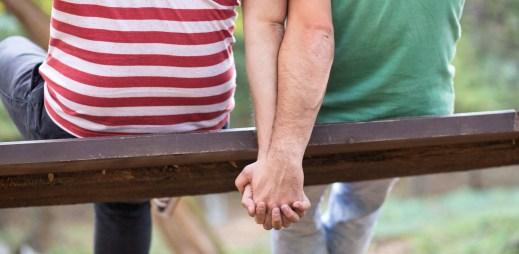 Vláda ČR podpořila návrh zákona o manželstvích pro gaye a lesby