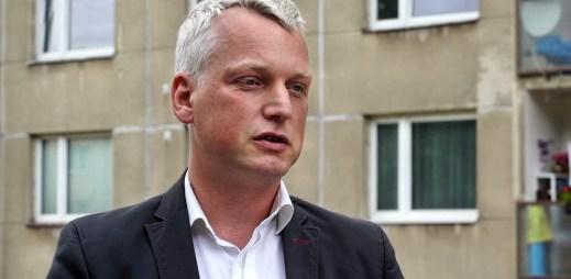 """Gay politik Martin Hausenblas: """"Konečně si budu moci vzít muže za muže a nebudu se muset registrovat jako auto, nebo ovce"""""""
