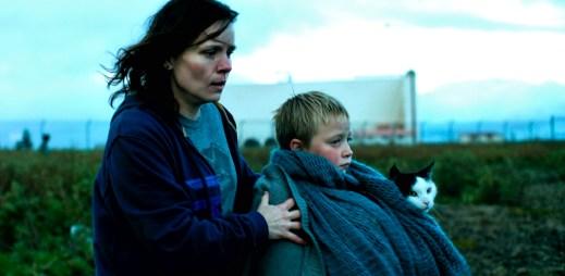 """Trailer k filmu """"A dýchej klidně"""": Pohnuté osudy dvou žen se protnou u pasové kontroly"""