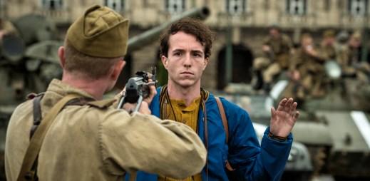 """Trailer k filmu """"Jan Palach"""": Okamžiky rozhodnutí, kdy se z přemýšlivého studenta filozofie stala živoucí pochodeň"""