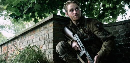 """Trailer k filmu """"Overlord"""": Tajný nacistický experiment, který může zvrátit úspěch spojenecké invaze"""